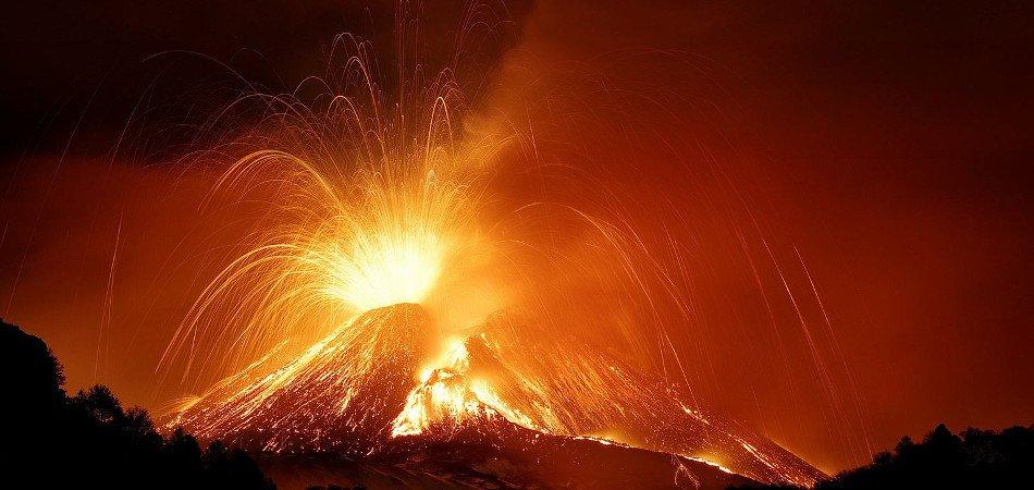 vulcano-etna-eruzione
